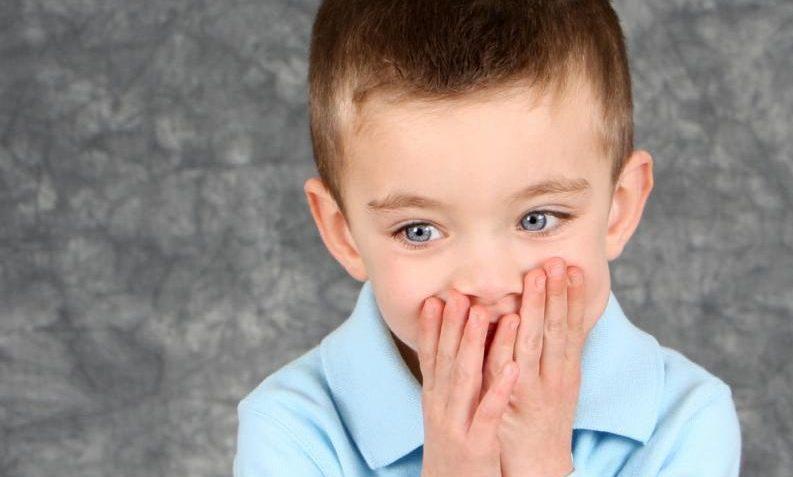 Mi hijo ha empezado a tartamudear, ¿qué debo hacer?